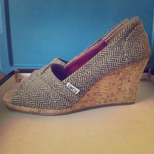 New Toms peep toe wedges size 7.5