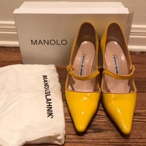 Yellow patent Manolo Blahnik Mary Janes