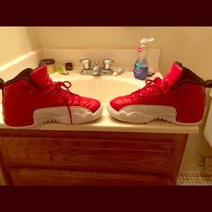 Jordan 12 's