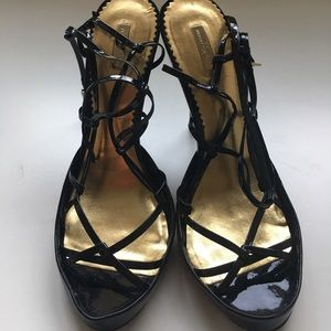 REPORT signature black patent leather pumps sz 8