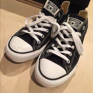 Black converse Chuck Taylor size 9 women's