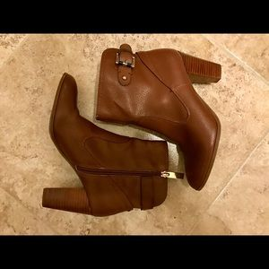 ✨Tommy Hilfiger Brown Ankle Boots Sz 7.5✨