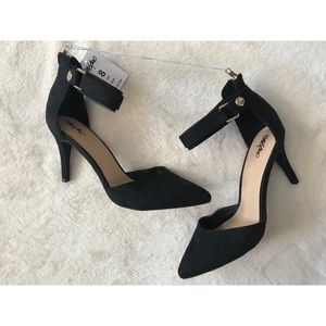 Mossimo NWT Black Point Toe Buckle Ankle Heel 8