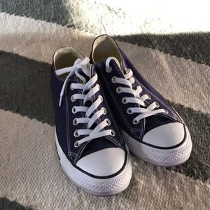 Like new! Converse