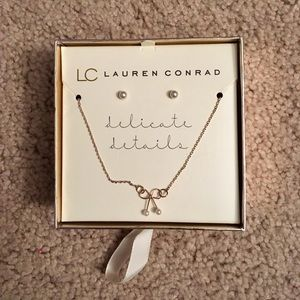 Lauren Conrad Pearl & Gold Necklace & Earrings Set