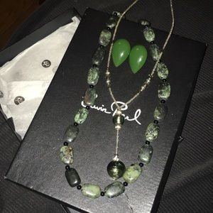 Erwin pearl green necklace set