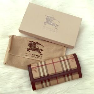Burberry long wallet