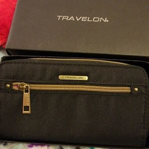 Travelon zippered wallet w RFID  NEW IN BOX