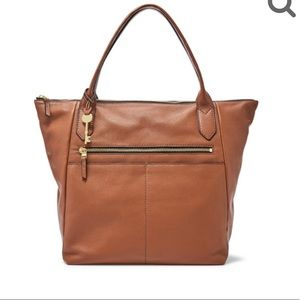 Make an offer! NWT Fossil leather Fiona Tote