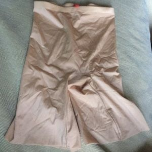 SPANX shaping shorts size S/P NWOT