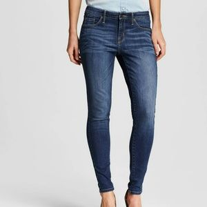 Dark Wash Modern Skinny Jeans in a 14 Regular