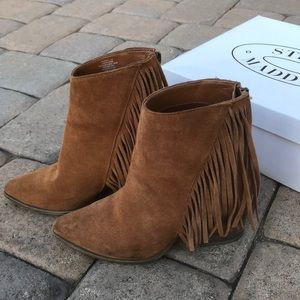 STEVE MADDEN boots/ booties 💖💕