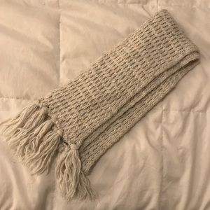 Cream woven scarf with fringe