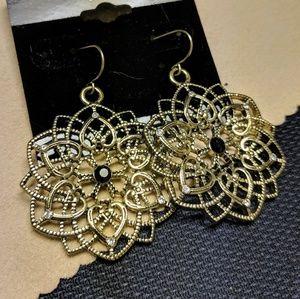 Jewelry - Vintage filigree crystal flower dangles earrings