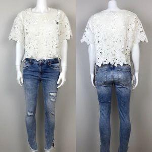 White Applique Short Sleeves Crop Top