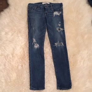 Abercrombie and Fitch Ripped Jeans 6S