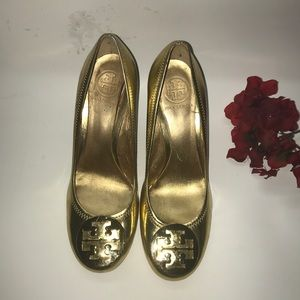 Tory Burch Stacked Gold Wedges