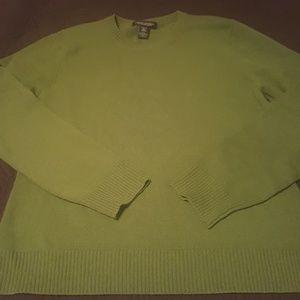 Womwn sweater