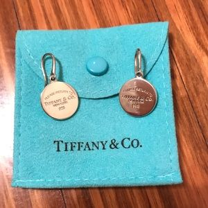 Gorgeous worn once Tiffany & co dangle earrings