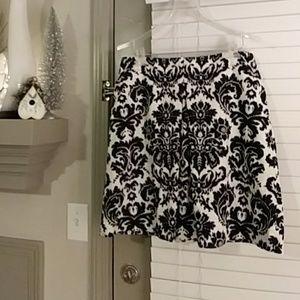 Beautiful Ann Taylor Loft lined skirt