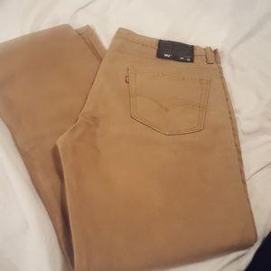Levis mans jeans 34/32