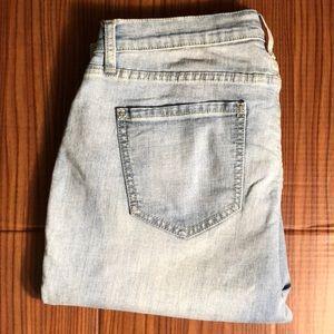 OLD NAVY Boyfriend Skinny Jeans in Light Wash
