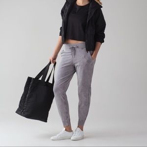 Lululemon Loop Back Jogger size 4 - NWT
