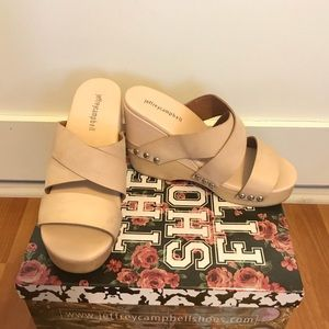 Jeffrey Campbell Arline Stud Muffin in Natural