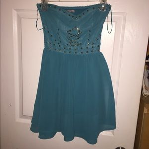 Flowy teal dress with gold embellishment