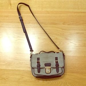 Kate Spade crossbody in good clean condition