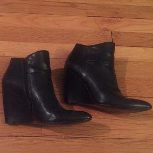 Nine West Black leather booties