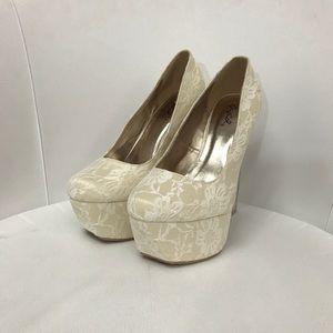 White Lace Party Shoes SZ: 8.5