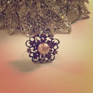 Accessories - Antique Style Bling Ring