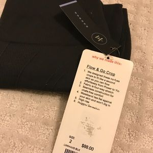 Flow & go crop New with tags! Size 2