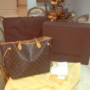 💯 % Authentic Louis Vuitton Tote