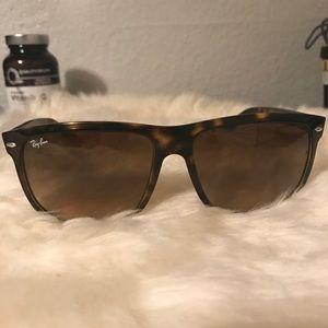 Brown RayBan Wayfarer Sunglasses - polarized