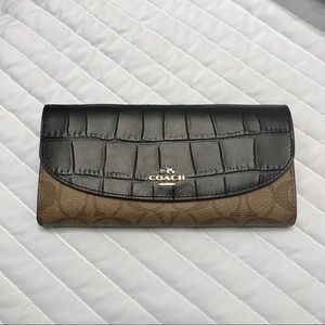 Coach Slim Envelope clutch wallet