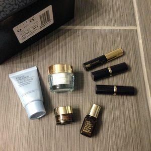 NEW! 7 Pc Estee Lauder Beauty Gift Set!