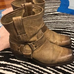 FRYE ANKLE BOOTS!!!