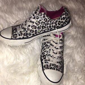 Cheetah print converse shoes!