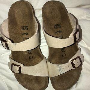 Birkenstock Platform Sandals beige shimmer size 7