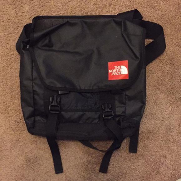8fd2e80be North face side satchel bag