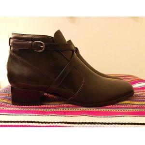 Vintage Brown Leather Booties