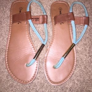 Blue cloth sandal