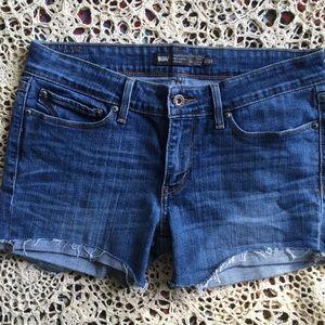 Levi's Cutoff Jean Shorts 8 inch Rise Size 6 / 28