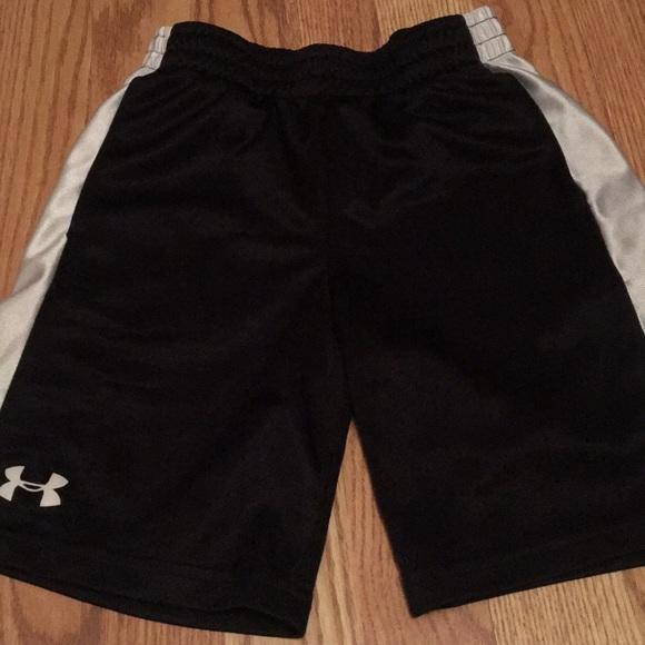 ccf865211 Under Armour Bottoms   Boys Black And White Shorts Size 7   Poshmark