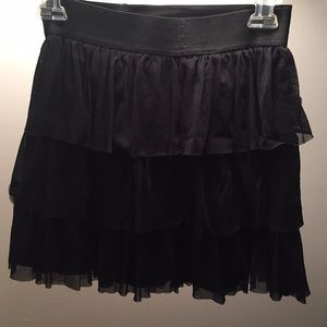 Black express mini ruffle skirt - xs