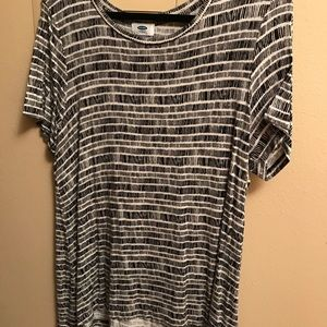 Black and White Stripped Loose-Fitting Top