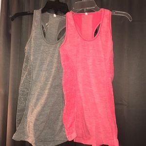 Workout top DUO. TWO for one.