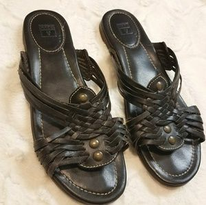Frye black leather surf sandal